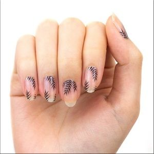 Color Street nail strips - Palm Before the Storm